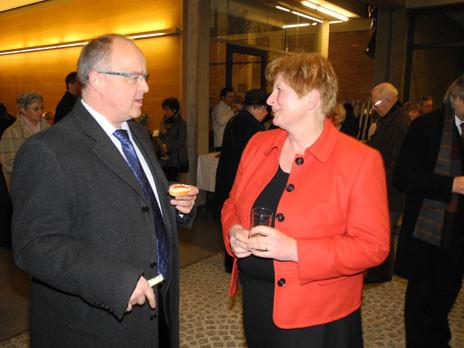 Stadtrat Gerhard Groh und Pfarrerin Ursula Brecht